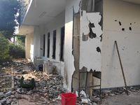 Kerusakan di salah satu bagian gedung Bawaslu