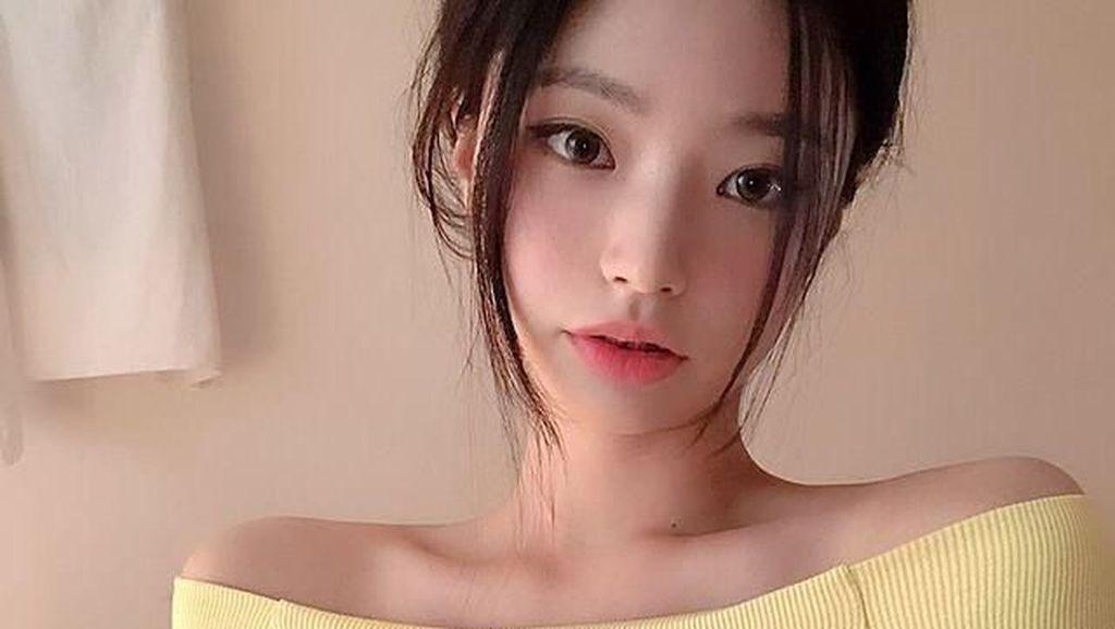 Pesona Model Online Shop Mirip Jennie Blackpink yang Bikin Heboh Netizen
