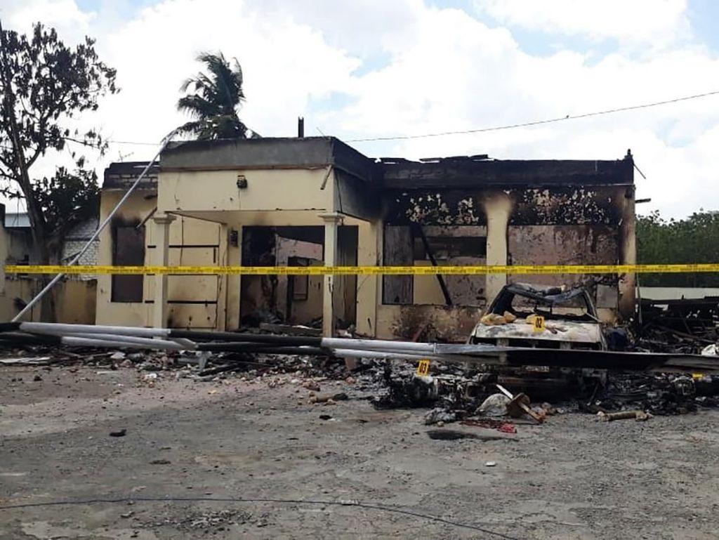 Polisi Sebut Selain Membakar Polsek Tambelangan, Massa Juga Menjarah