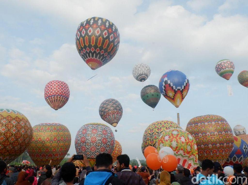 Nekat Terbangkan Balon Udara Liar? Sanksi Denda Rp 500 Juta Menanti