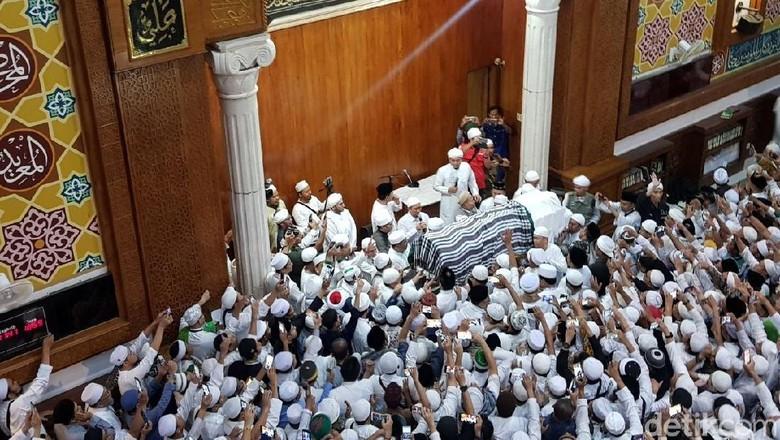 Wasiat Terakhir Ustaz Arifin Ilham untuk Pendukung Jokowi dan Prabowo