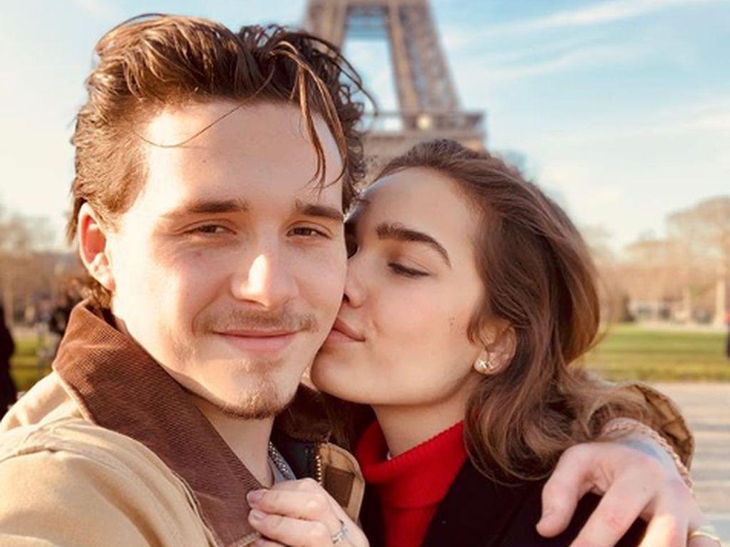 Brooklyn Beckham Setahun Pacaran, Netizen: Lebih Baik Chloe