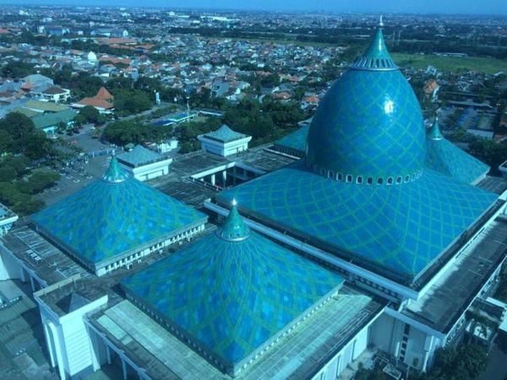 Ngabuburit di Ketinggian 99 Meter Surabaya