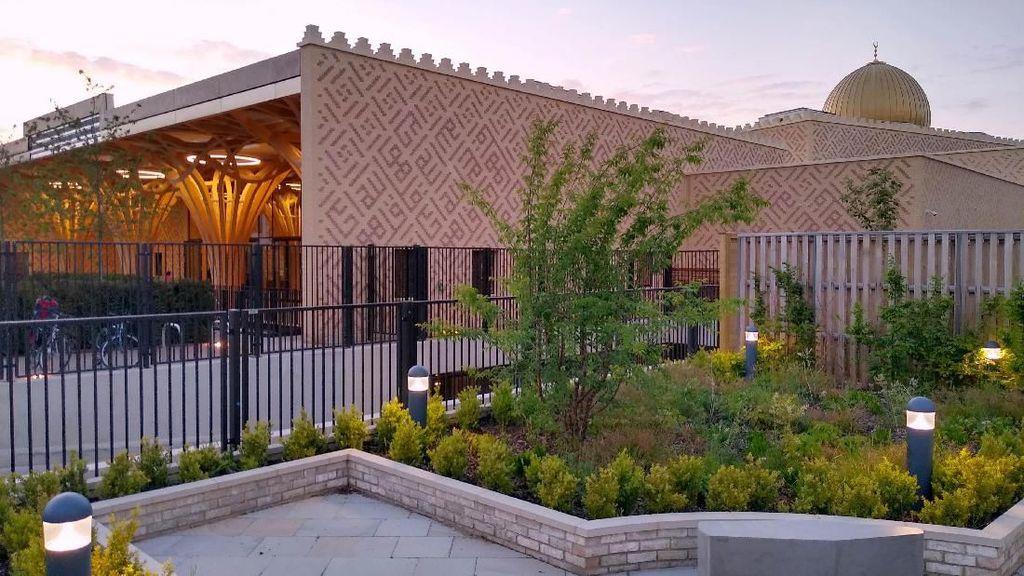 Mengenal Masjid Ramah Lingkungan Pertama di Eropa