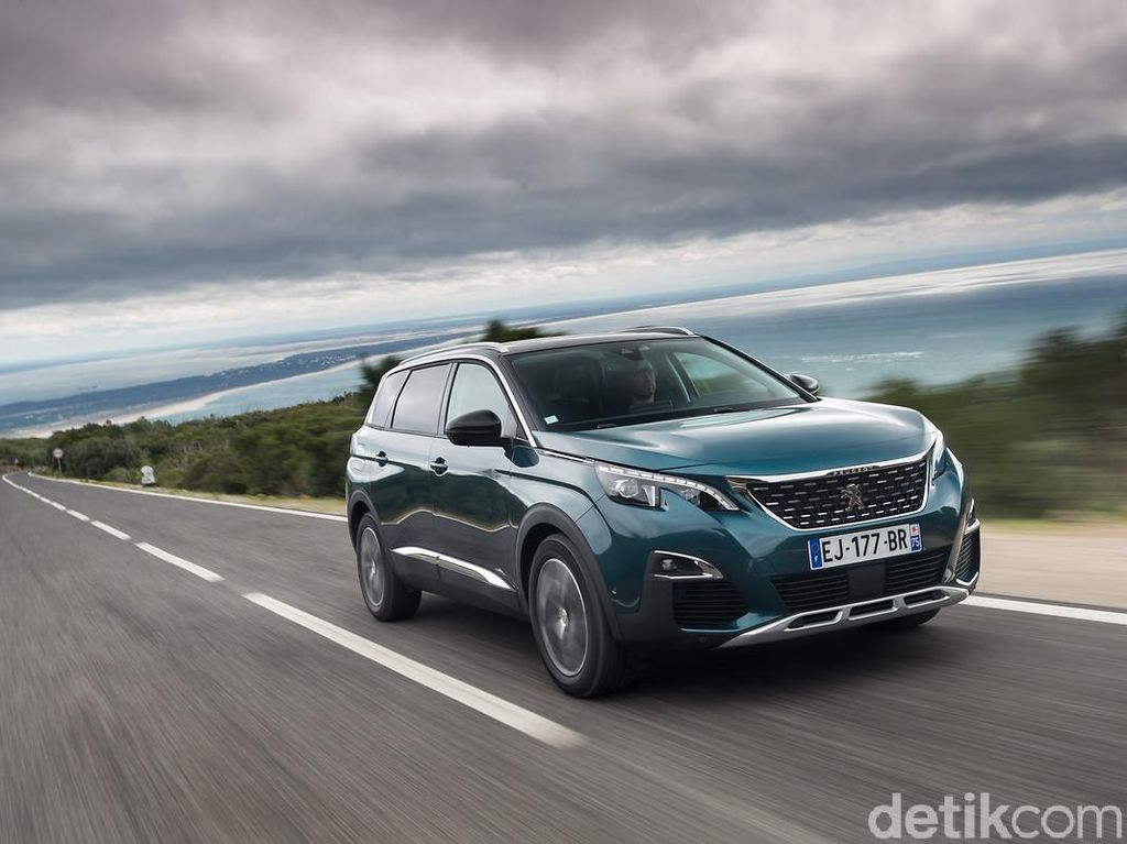 Peugeot Rilis SUV 5008 Pekan Depan