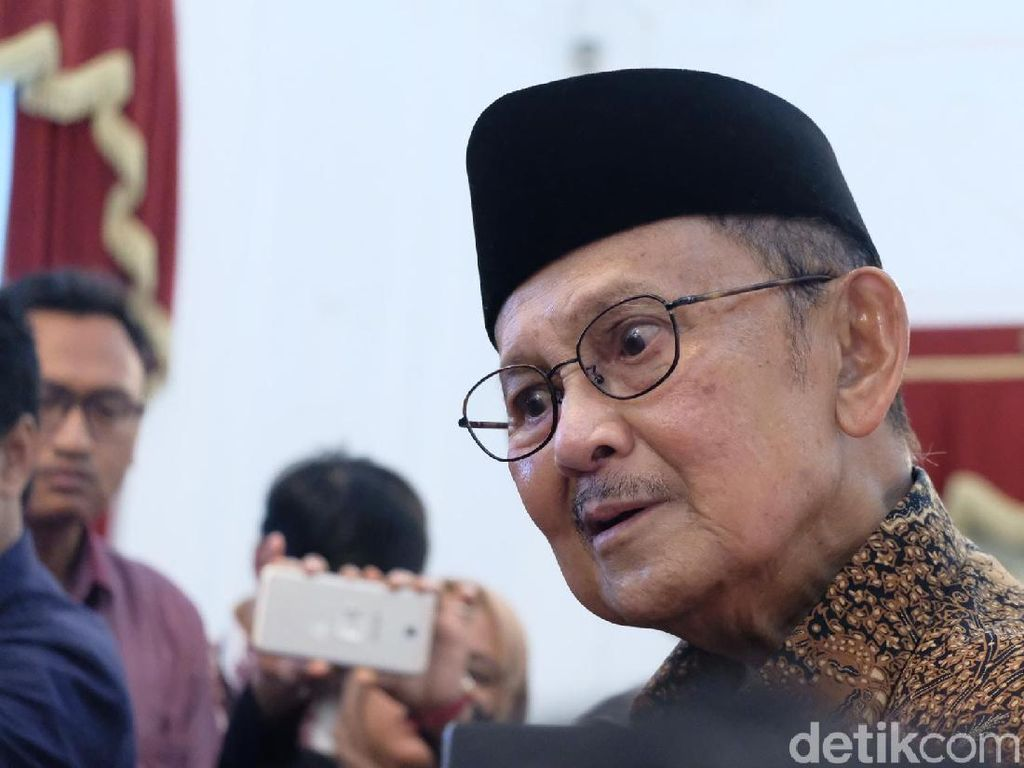 BJ Habibie ke Jokowi: Beliau Ujung Tombak Generasi Penerus