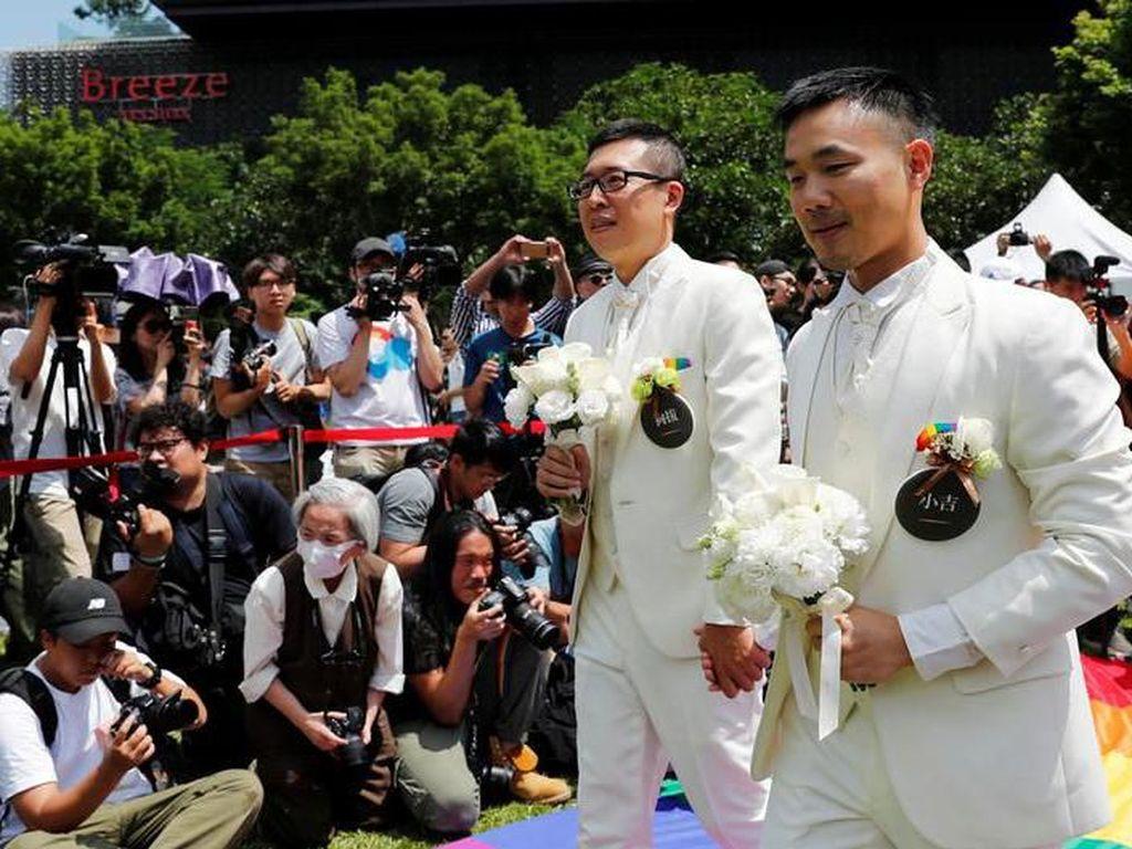 Taiwan Gelar Pernikahan Sesama Jenis Pertama di Asia
