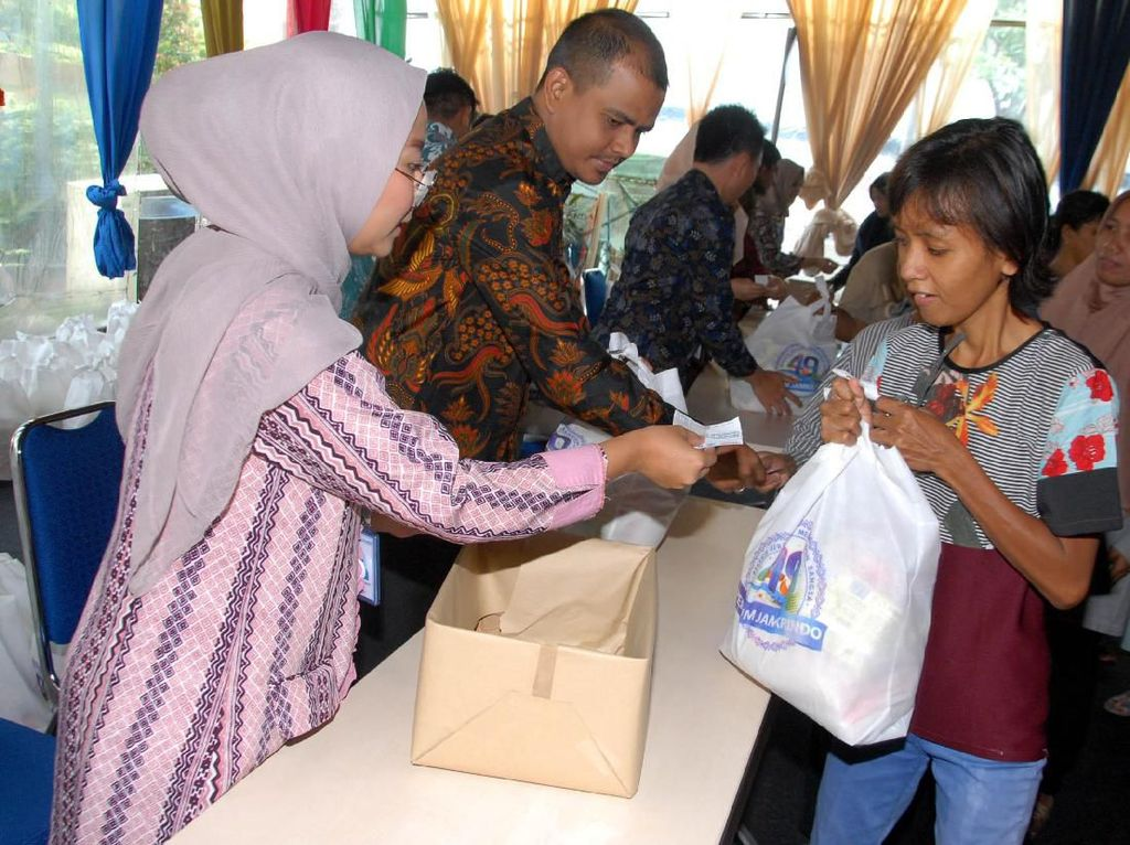 Sembako Gratis untuk Yatim dan Dhuafa