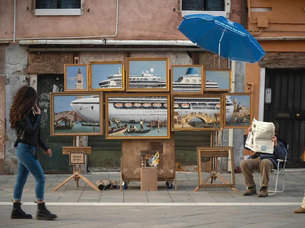 Banksy Main-main di Venesia, Boyong Lukisan hingga Diusir Polisi
