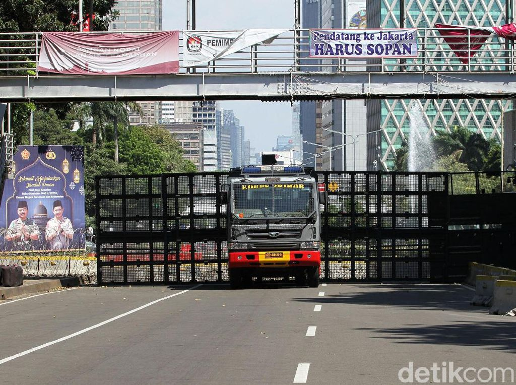 Besok, Jalan Depan KPU-Bawaslu-DPR-MK Masih Ditutup