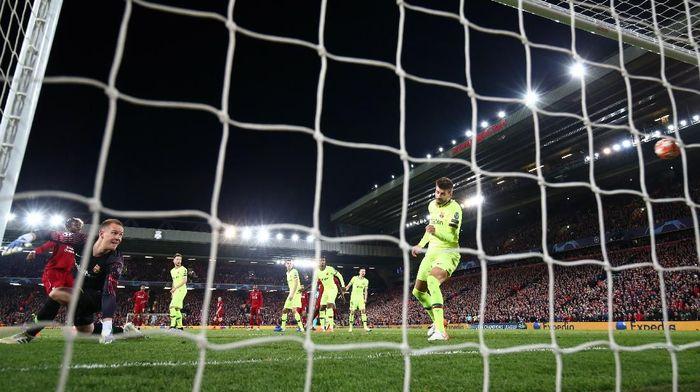Kekalahan Barcelona dari Liverpool dipengaruhi hasil di Roma. (Foto: Clive Brunskill /Getty Images)