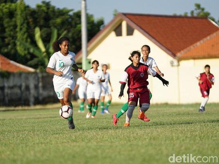 Timnas Sepakbola Putri dalam latihan di Sidoarjo, Jawa Timur. (Foto: Suparno/Detikcom)