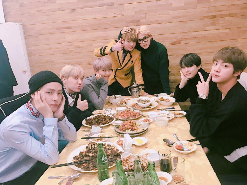 Pemilik Rekam Member BTS Sedang Makan, Restoran Ini Langsung Dapat Ulasan Buruk