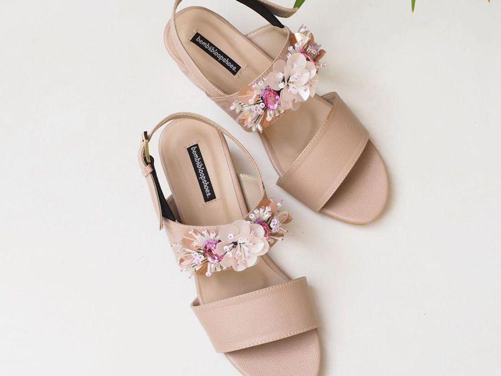 Rekomendasi 8 Sepatu Sandal Cantik dari Brand Lokal untuk Lebaran