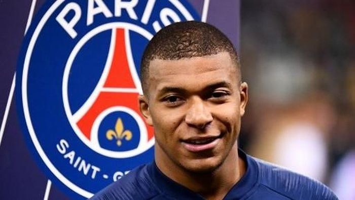 Direktur PSG Leonard tak janji Kylian Mbappe akan teken kontrak baru di klub. (Foto: FRANCK FIFE / AFP)