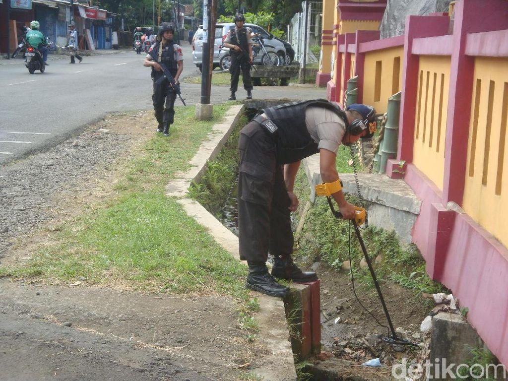 Tim Labfor Datangi Lokasi Penembakan di Mako Brimob Purwokerto