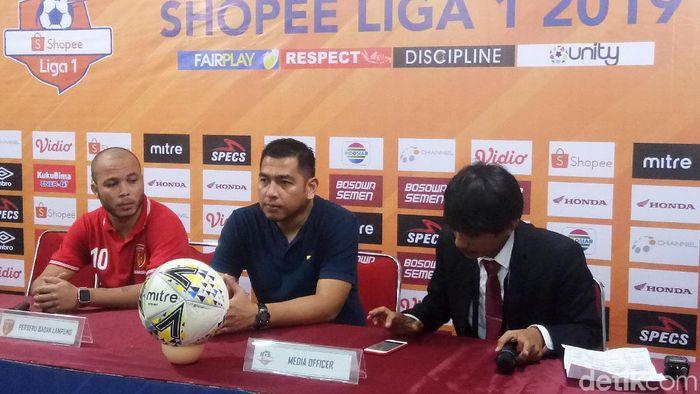 Perseru Badak Lampung FC, Jan Saragih, usai dihajar PSM Makassar. (Foto: Reinhard Soplantila/Detikcom