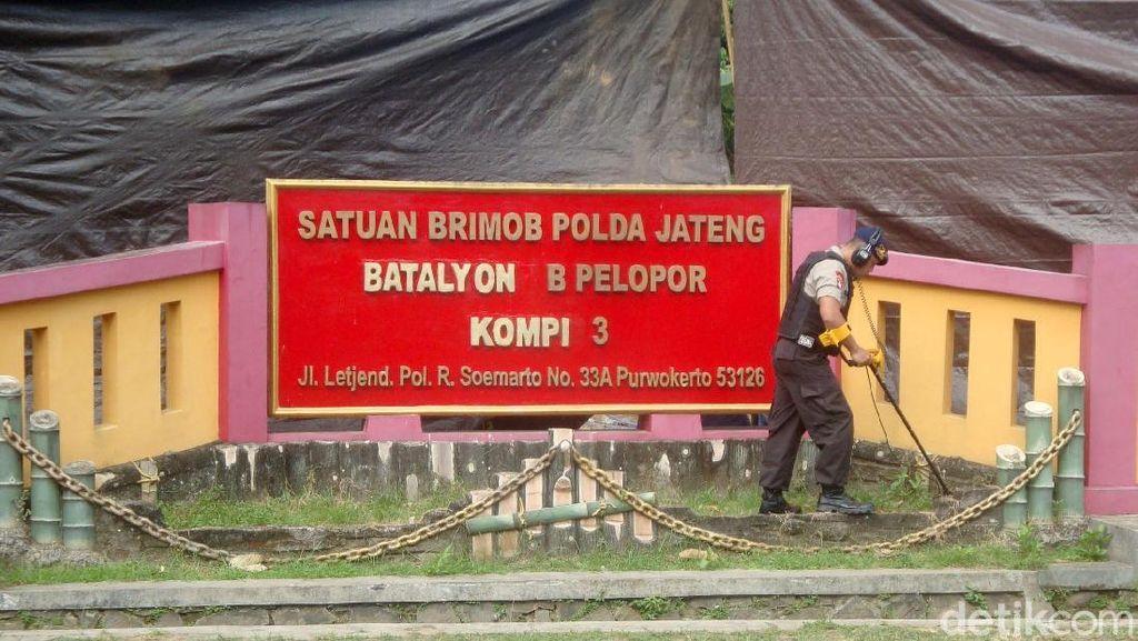 Tim Labfor Polri Sisir Lokasi Penyerangan Mako Brimob Purwokerto