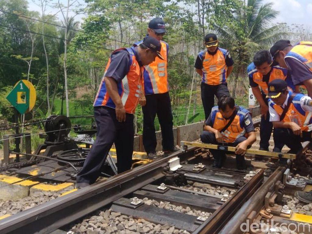 154 Petugas Diterjunkan Jaga Daerah Rawan Bencana di Wilayah Daop 9 Jember