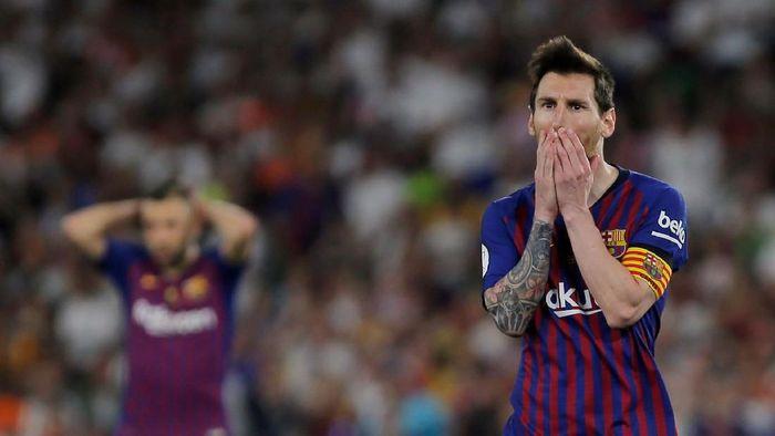 Lionel Messi merindukan sosok Cristiano Ronaldo di La Liga (Foto: Jon Nazca/REUTERS)