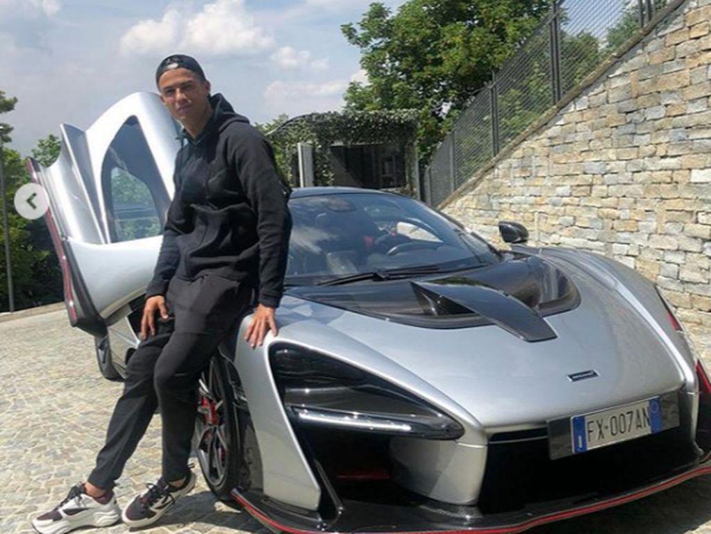 Cristiano Ronaldo Pamer Mobil Buas Baru