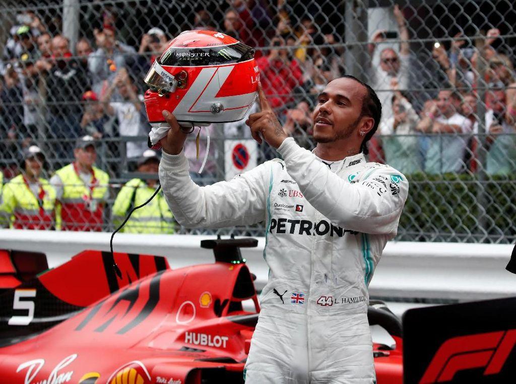 Mau Pindah ke Ferrari, Hamilton?