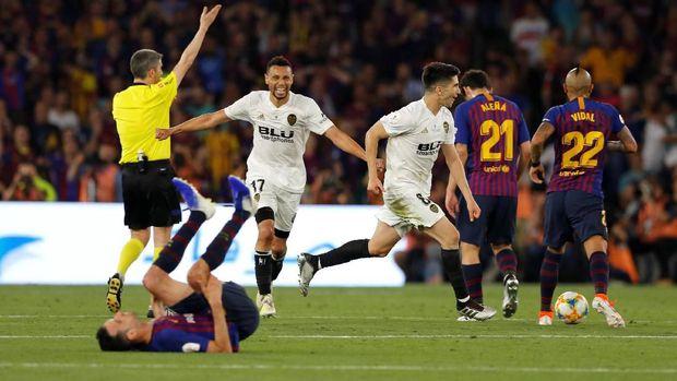 Valencia juara Copa del Rey usai menumbangkan Barcelona 2-1 di laga final. (