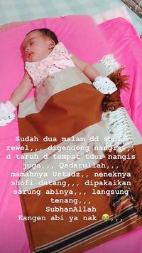 Bentuk Rindu Bayi Kecil Almarhum Ustaz Arifin Ilham pada Ayahnya
