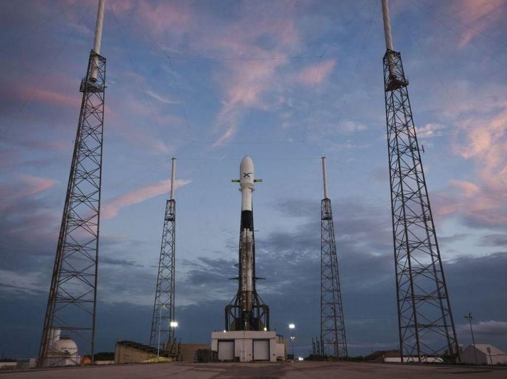 Satelit Internet SpaceX Kebanjiran Peminat
