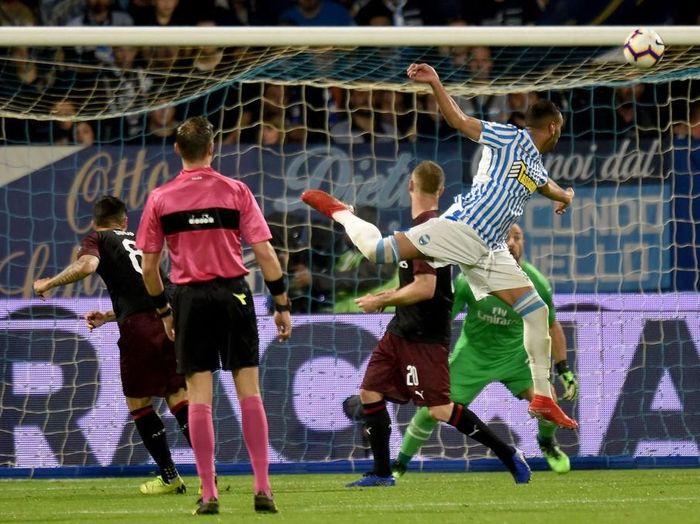 AC Milan saat mengalahkan SPAL 3-2 di lanjutan Liga Italia. (Foto: Tullio M. Puglia/Getty Images)