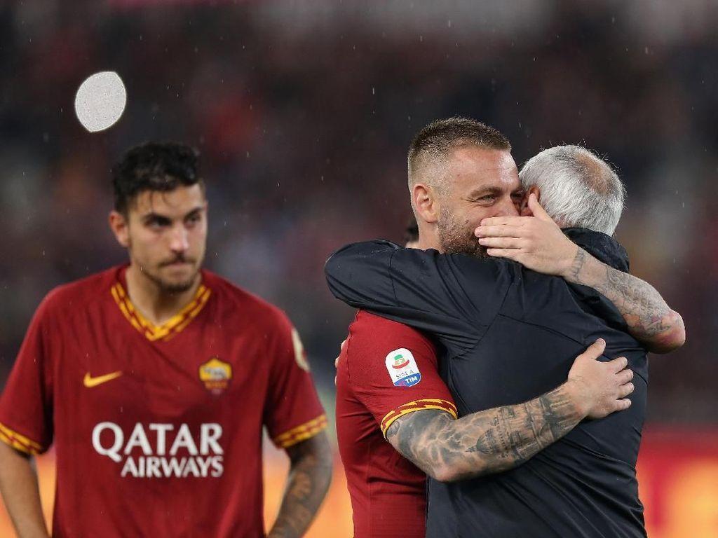 Air Mata Perpisahan Ranieri dan Roma