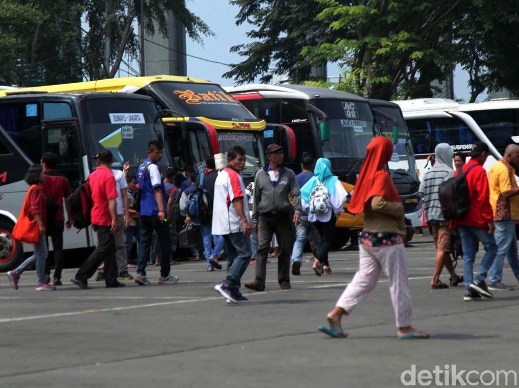 246 Sopir Bus di DKI Tidak Laik Mengemudi karena Gula Darah hingga Sabu