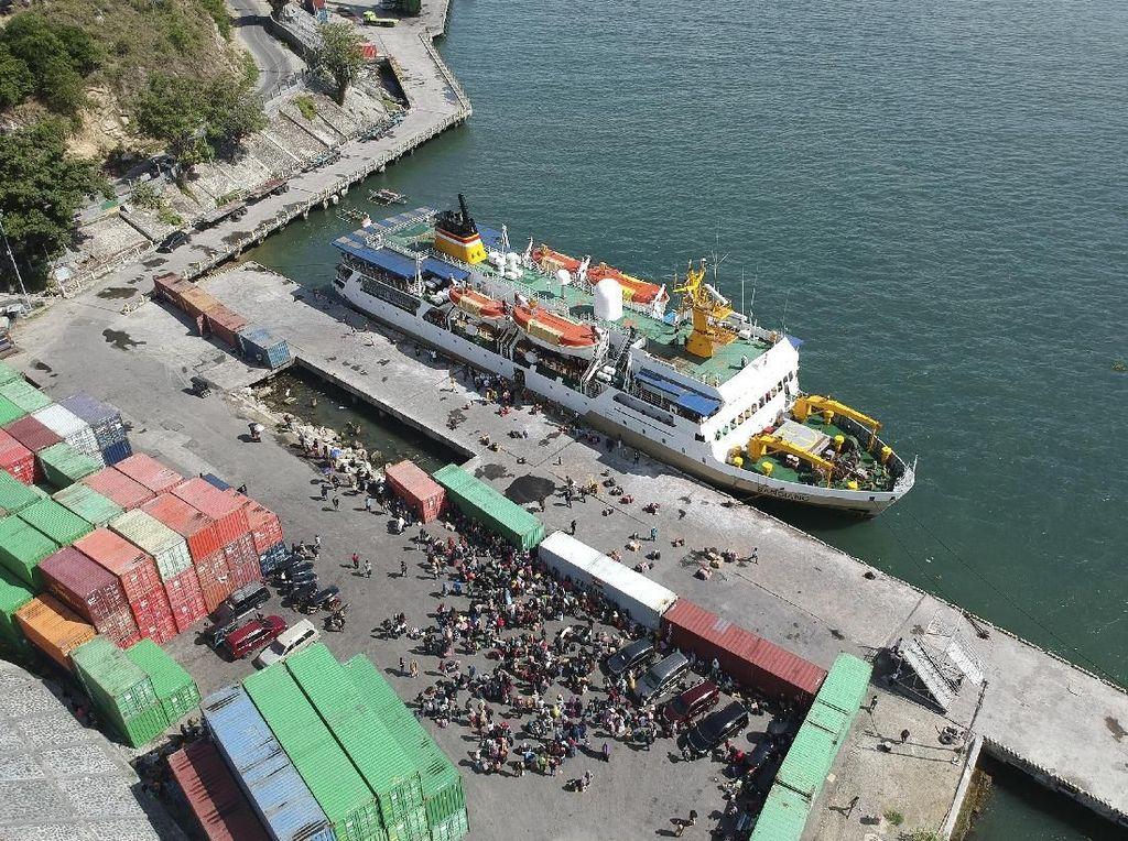 Intip Arus Keberangkatan Pemudik di Pelabuhan Gorontalo
