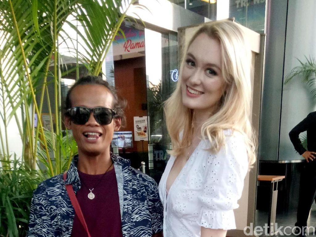 Nur Khamid Tegaskan Pernikahannya dengan Polly Baik-baik Saja