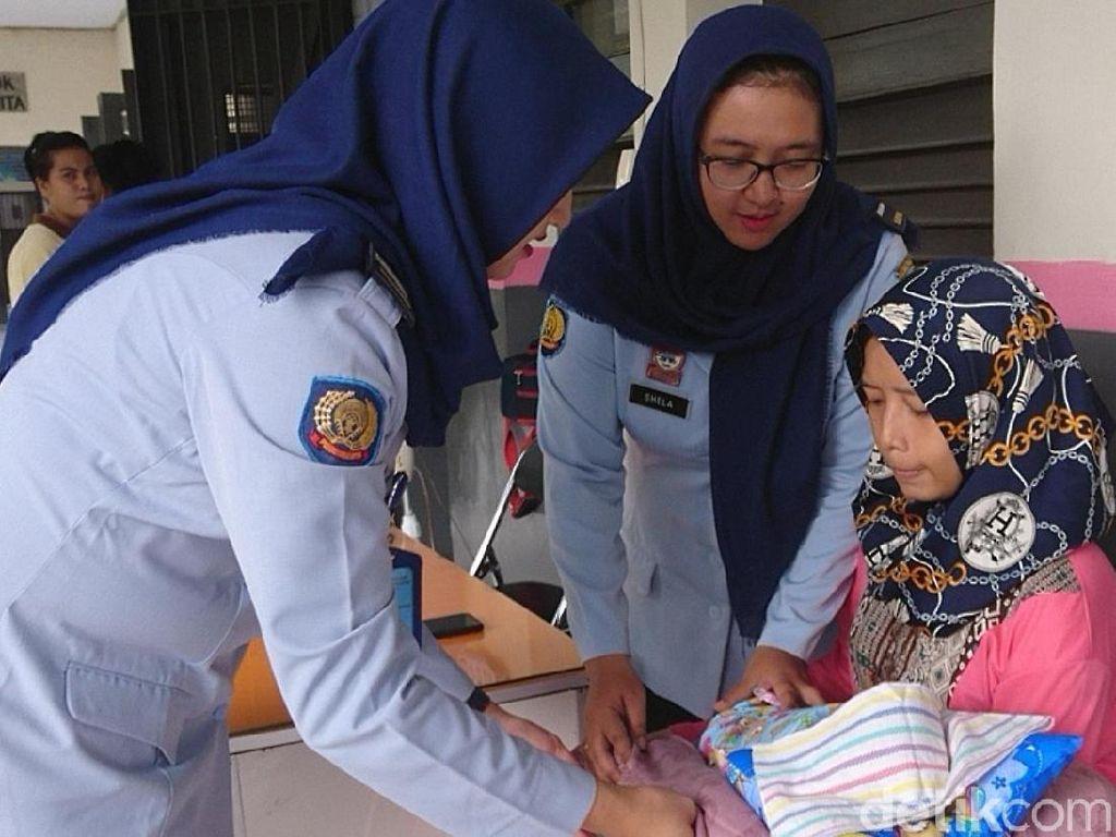 Seorang Wanita Tahanan Lapas Tulungagung Lahirkan Bayi Laki-laki