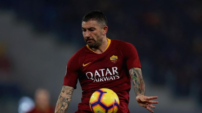 ROME, ITALY - FEBRUARY 03:  Aleksandar Kolarov of AS Roma in action during the Serie A match between AS Roma and AC Milan at Stadio Olimpico on February 3, 2019 in Rome, Italy.  (Photo by Paolo Bruno/Getty Images)