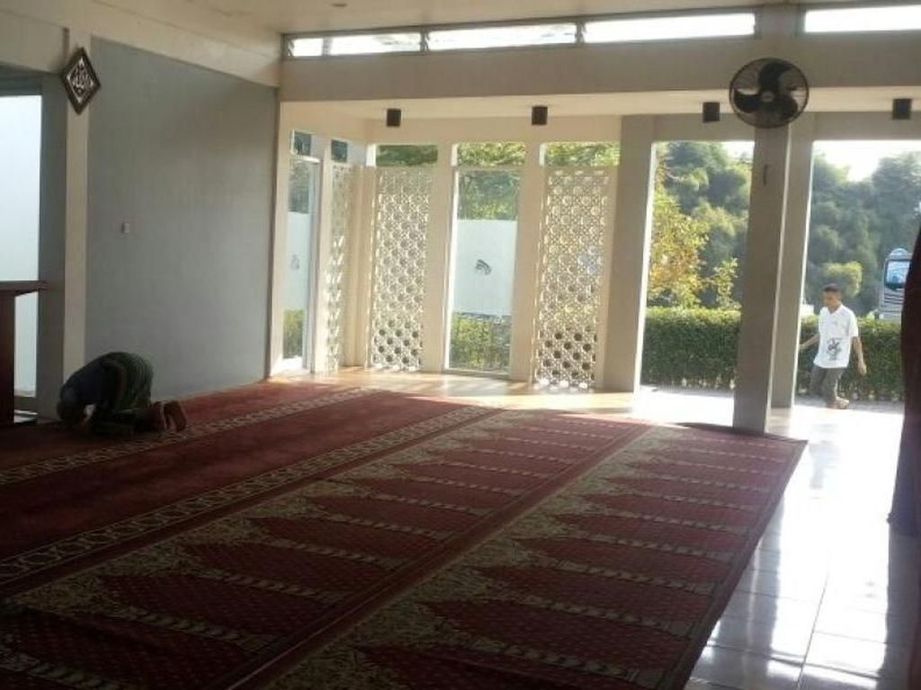 Foto: Masjid Nyaman di Tol Cipali
