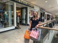 Wanita Ini 'Jualan' Darah Demi Bisa Belanja Baju Rp 8,6 Juta Sebulan