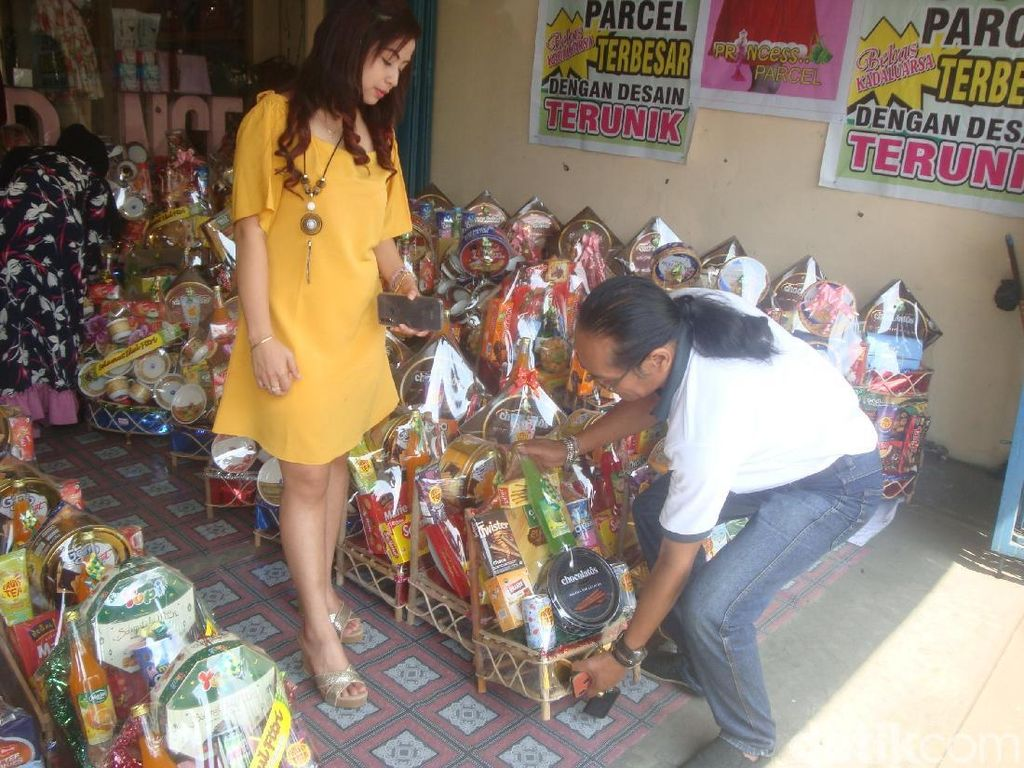 Jelang Lebaran, Pengusaha Parsel di Purwokerto Kebanjiran Order