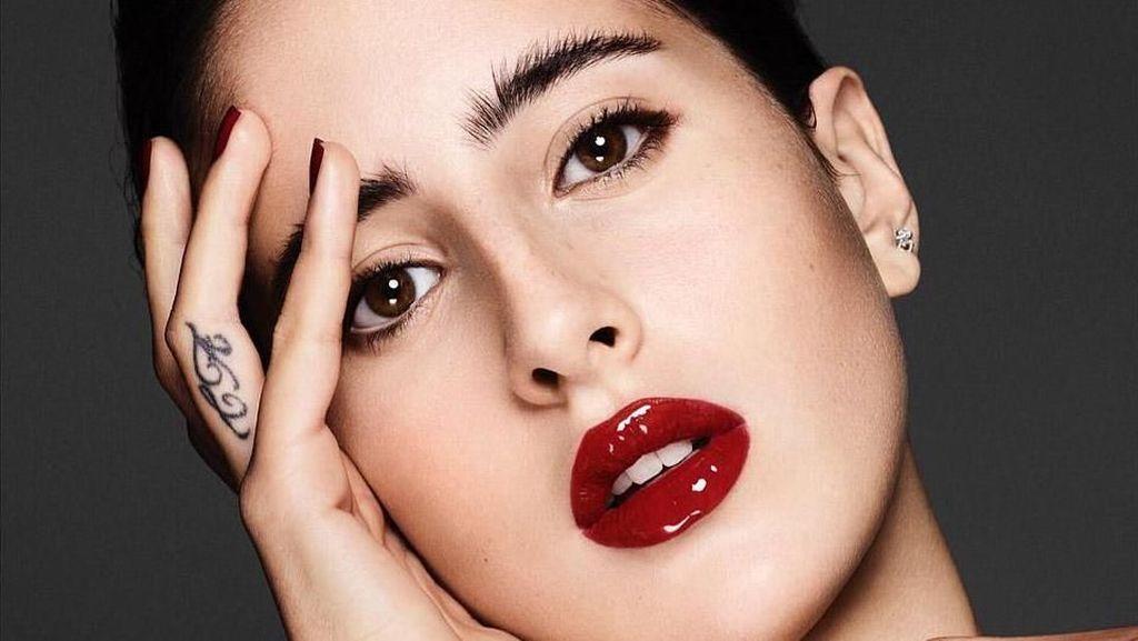 Cantiknya Putri CEO Kaya Saudi yang Jadi Model Muslim Pertama Paris Couture