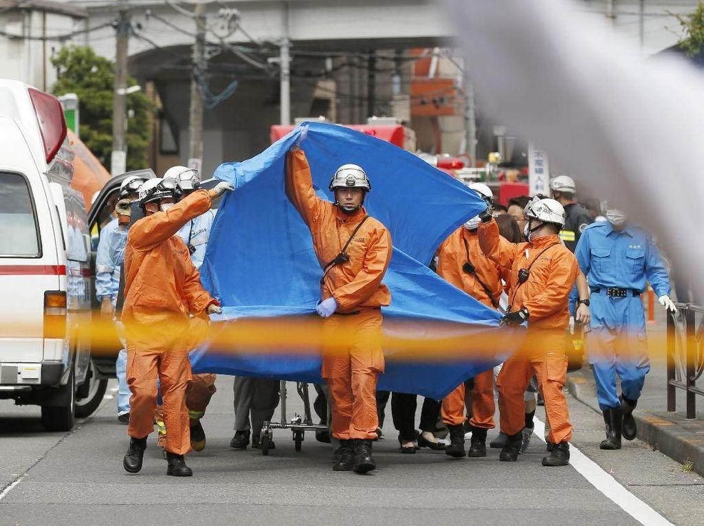 Seorang Pria Tikam Puluhan Orang di Jepang