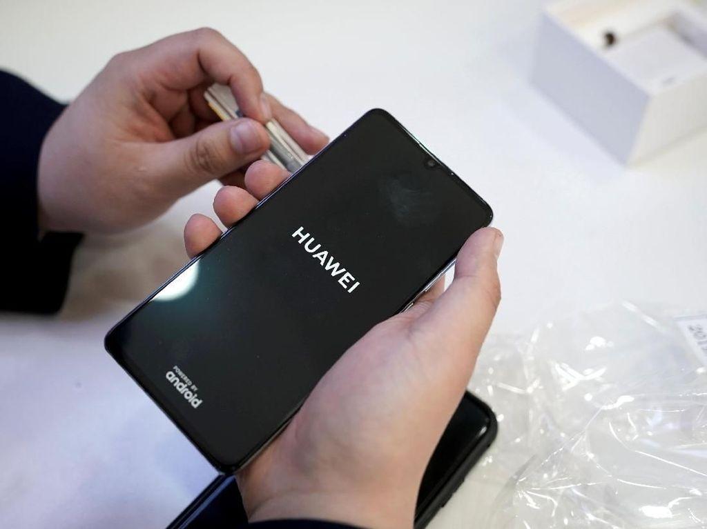 Pengguna Smartphone Ragukan Sistem Operasi Hongmeng