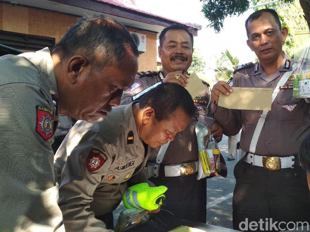 200 Polisi Blitar Dibekali Paket Obat-obatan untuk Operasi Ketupat Semeru