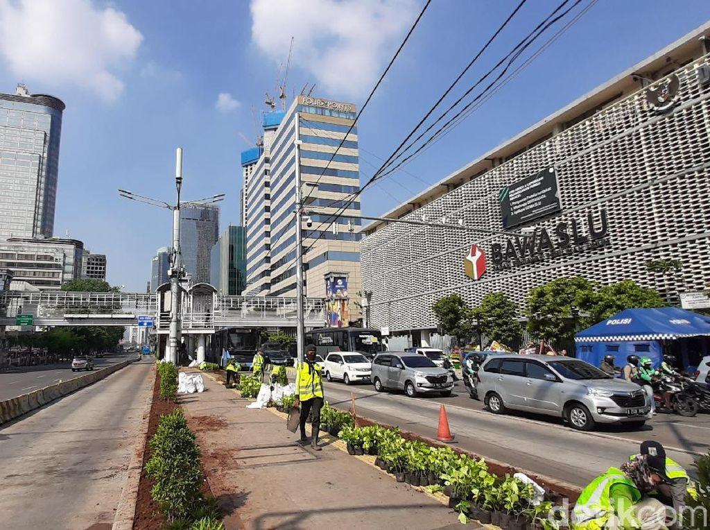 JL MH Thamrin Depan Bawaslu Dibuka, Kendaraan Bisa Melintas