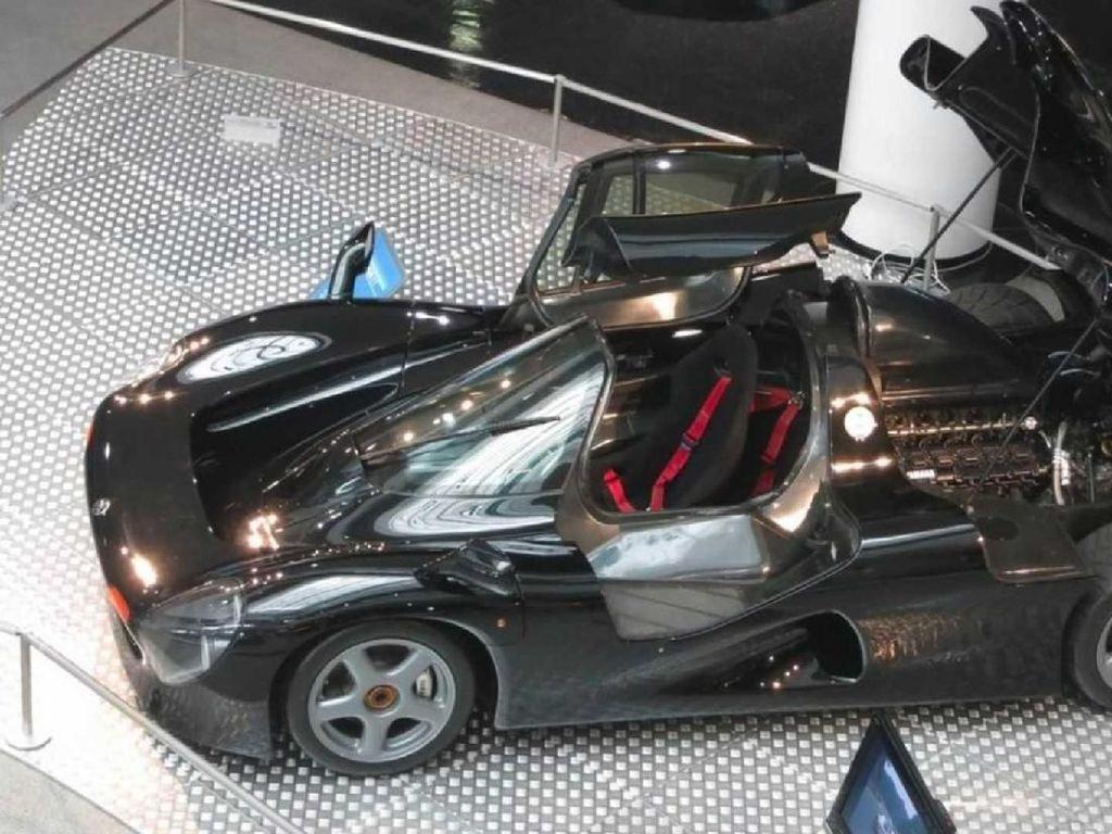 Mobil Supercar Yamaha