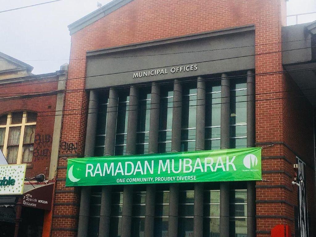 Mengenalkan Islam Kepada Warga Melbourne