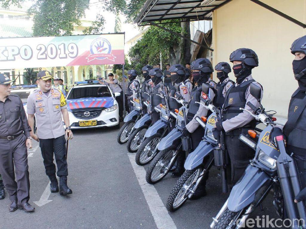 Tim Urai Macet Dibekali Senpi saat Jaga Jalur Lembang-Padalarang