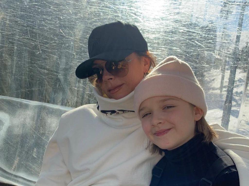 Victoria Beckham Berantem dengan Mertua di Perayaan Baptis Harper