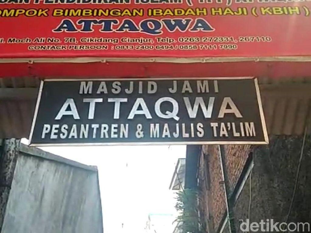 Ustaz Umar Dijemput Polisi Diduga Amplop Santri di Kerusuhan 22 Mei