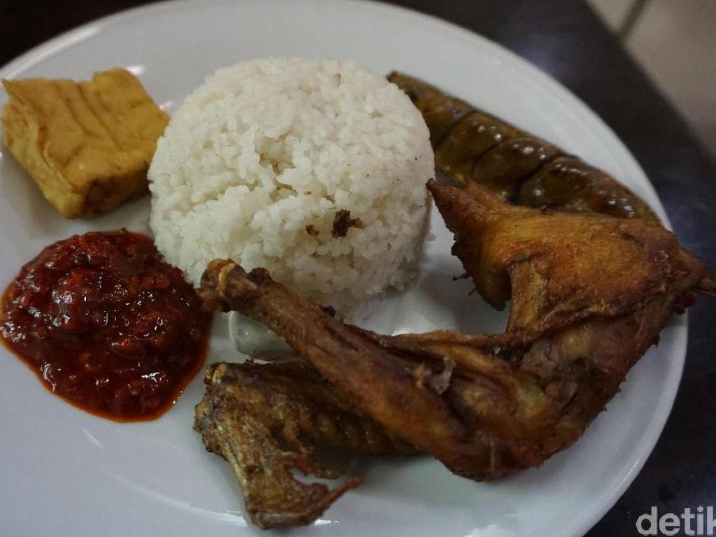 Sebelum Mudik, Enaknya Buka Puasa dengan Ayam Goreng  di 5 Restoran Legendaris